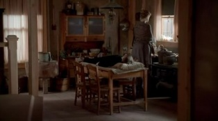 Deadwood 02x11 : The Whores Can Come- Seriesaddict